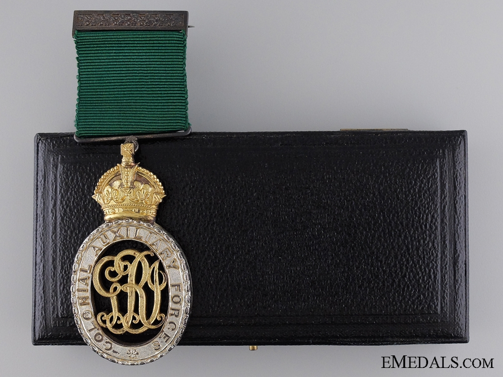 eMedals-Colonial Auxiliary Forces Officer Decoration with Case of Issue
