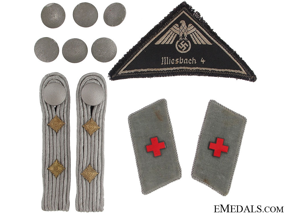 eMedals-DRK-German Red Cross Officer's Lot of Insignia