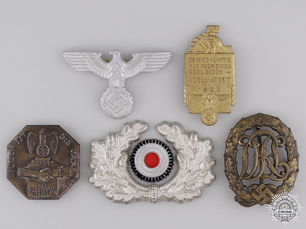 eMedals-Five Second War German Badges and Awards