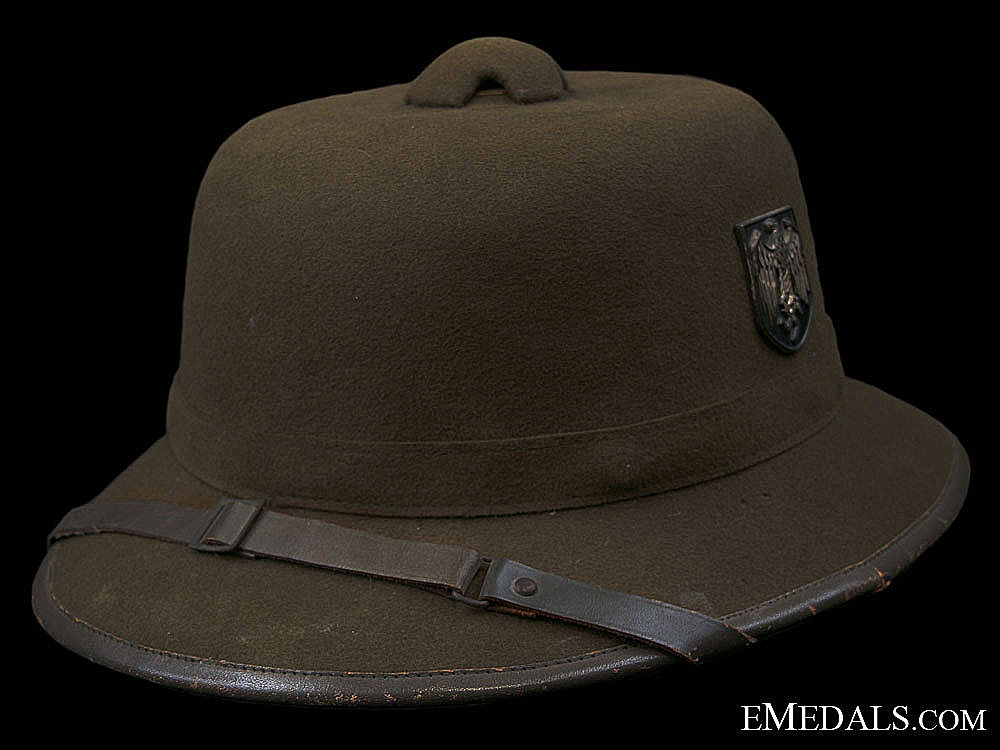 eMedals-A First Model Wehrmacht Pith Helmet 1941