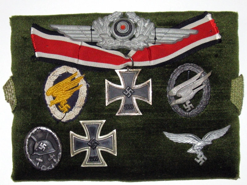 eMedals-Very Fine & Scarce  Paratrooper's Group
