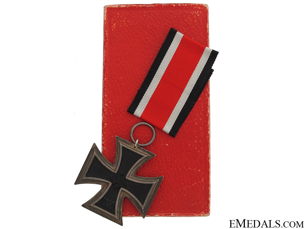 eMedals-Iron Cross 2nd Class 1939 in Red Case of Issue
