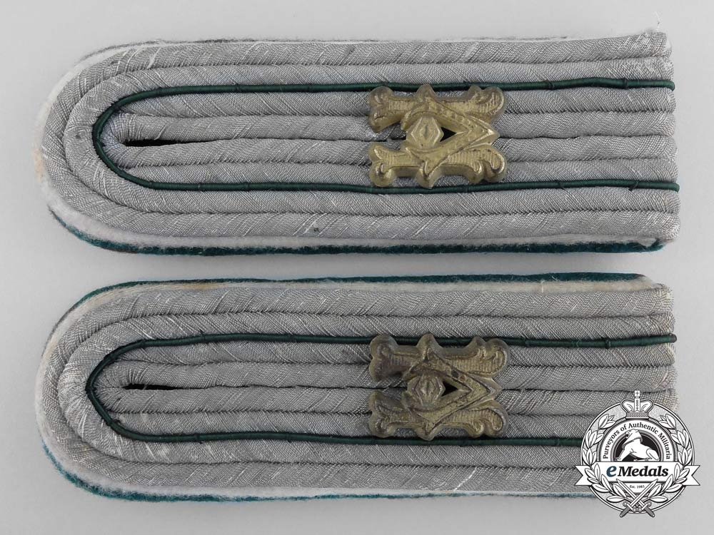 eMedals-Army Administration Personnel Shoulder Boards