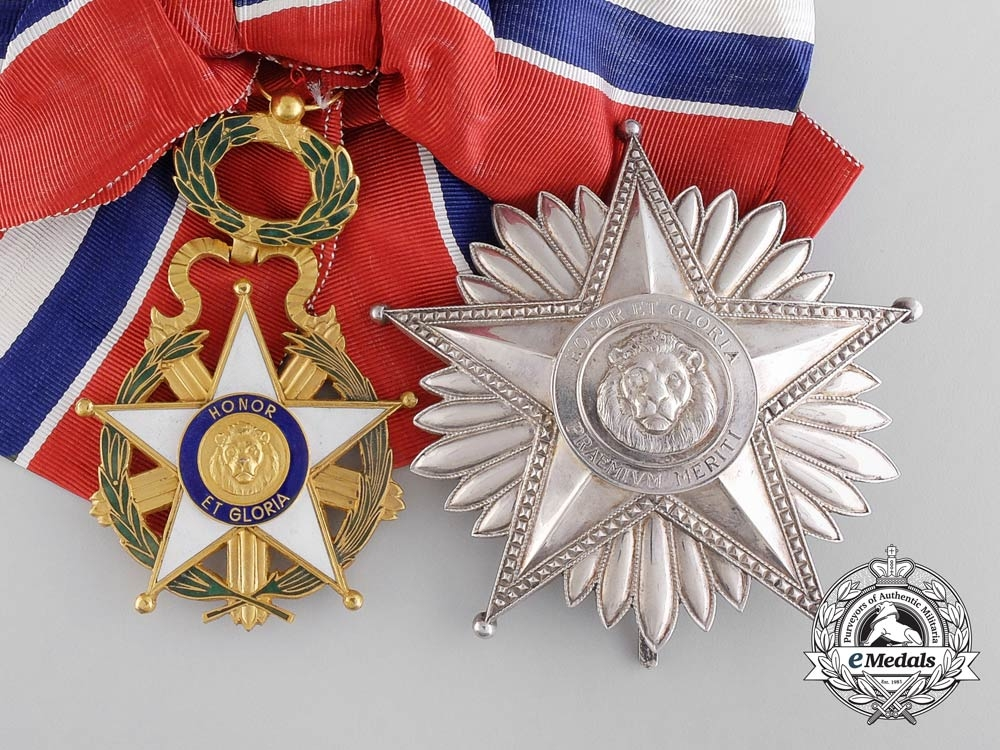eMedals-A National Merit Order of Paraguay; Grand Cross Set