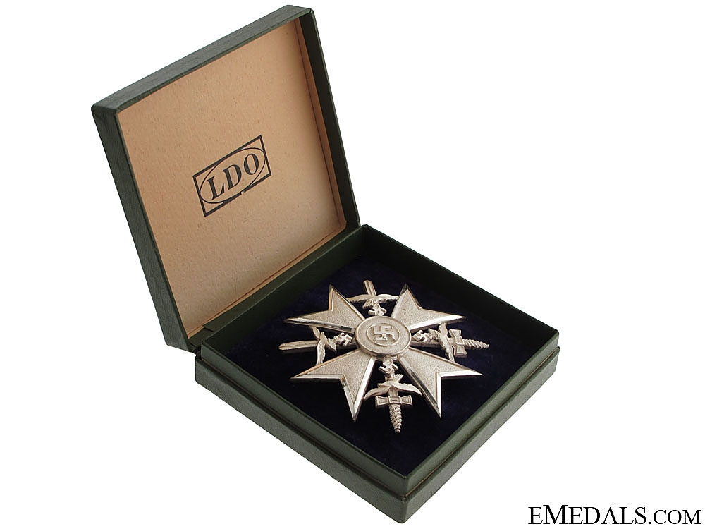eMedals-Spanish Cross in Silver with Swords – Cased