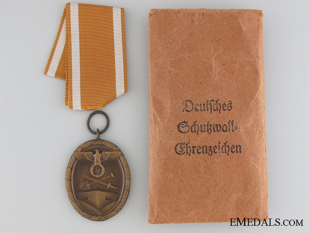 eMedals-West Wall Medal with Paper Pocket of Issue