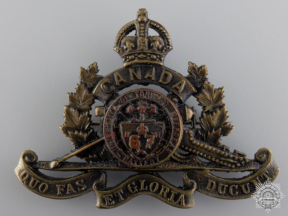 eMedals-WWI 67th University of Toronto Overseas Field Battery Cap Badge  consign 17
