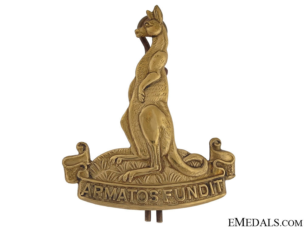 eMedals-WWII 1st Canadian Armoured Carrier Regiment (1CACR) Cap Badge