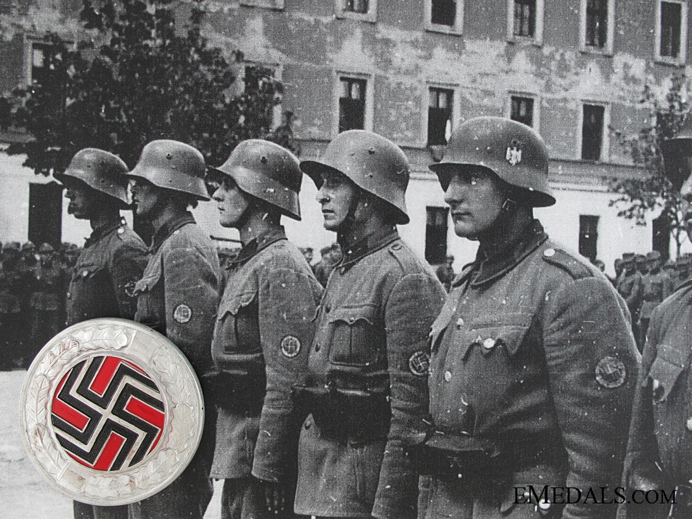 eMedals-WWII Badge of the German Regiment (Croatian Army)