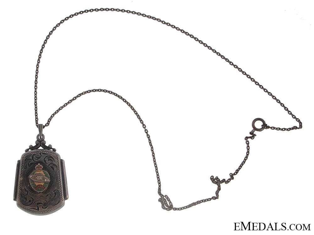 eMedals-WWII Canadian Armoured Corps Locket