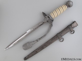 2nd Pattern Luftwaffe Dagger by E.Pack and Sohne