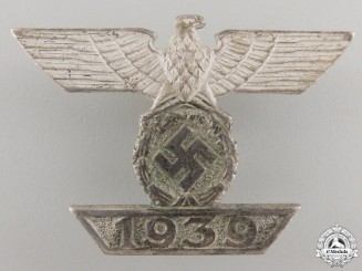 A Clasp to Iron Cross 1st Class 1939 by BH Mayer