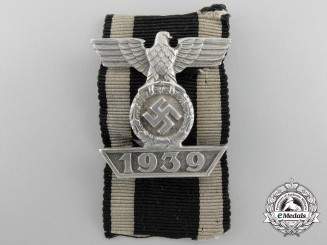 A Clasp to the Iron Cross 1939 by C.E.Juncker