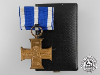 A 1914 Lippe-Schaumburg Loyal Service Cross with Case of Issue