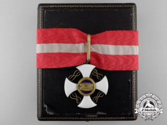 An Italian Order of the Crown; Third Class Commander with Case