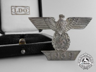 A Clasp to 1939 First Class Iron Cross; Type 1 by Boerger & Co.