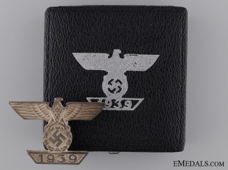 A Cased Clasp to the Iron Cross 1939