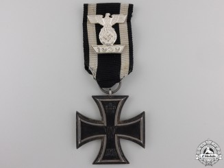 A Clasp to the Iron Cross 2nd Class1939; Reduced Version