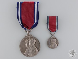 A George V 25 Year Jubilee Medal with Miniature