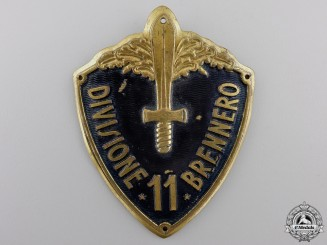 A Second War Italian Army Arm Badge Divisione 6