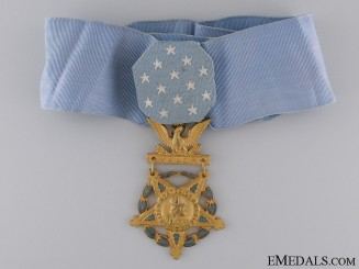 An American WWII Army Medal of Honor; Type V (1944-1964)