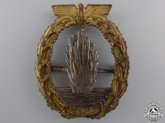 An Early Minesweeper War Badge