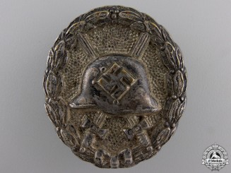 An Early Silver Grade Wound Badge 1939