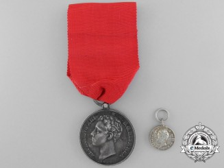 A Spanish Alfonso XIII Coronation Medal 1902; Fullsize with Miniature