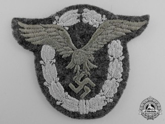 A Mint Condition Luftwaffe Pilot's Badge in Cloth