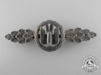 An Early War Bomber Squadron Clasp; Silver Grade
