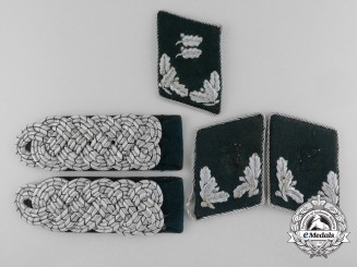 A German Forestry Official's Shoulder Board Pair & Three Collar Tabs