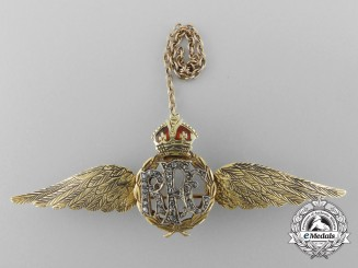 An Exquisite Set of Royal Flying Corps (RFC) Sweetheart Wings in Gold