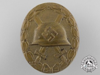 A Gold Grade Wound Badge; Large Version