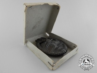 A Bronze Grade Tank Badge with Carton of Issue