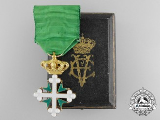 An Order of St. Maurice and St. Lazarus in Gold with Case c.1900