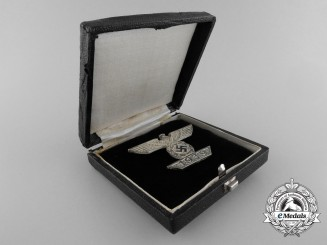 A Clasp to the Iron Cross First Class 1939 with Case