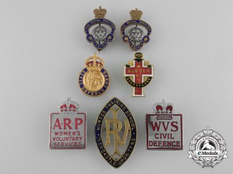Seven First & Second War British Badges and Insiginia
