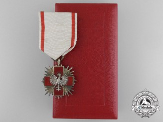 A English Made Polish Second War Red Cross Medal with Case by Spink