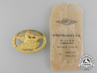 A Second War Italian Commander's Tank Badge with Packet of Issue