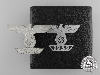 A Cased & Mint Clasp to the Iron Cross First Class 1939 by Deumer