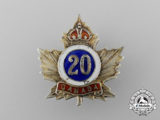 A First War 20th Infantry Canadian Battalion Sweetheart Badge