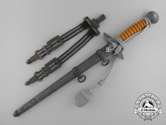 A Second Pattern Officer's Luftwaffe Dagger by Alcoso Solingen with Hangers