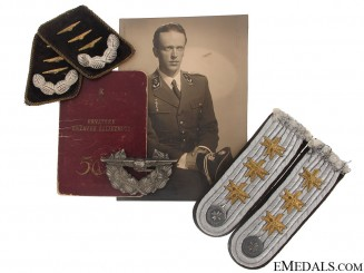 Group of Insignia to Air Force Captain (Satnik)