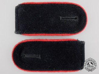 A Set of Waffen-SS Enlisted Artillery Shoulder Straps