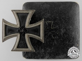 An Iron Cross First Class 1939 with Case of Issue