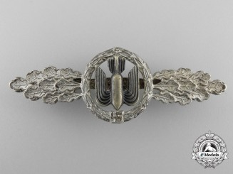 An Early Luftwaffe Squadron Clasp for Bomber Pilots; Silver Grade by Osang