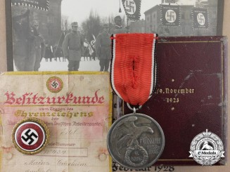 A Fine Blood Order, Golden Party Badges and Document Grouping