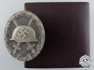A Silver Wound Badge in Case of Issue; Mint