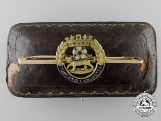 A Fine York and Lancaster Regiment Brooch in Gold with Case