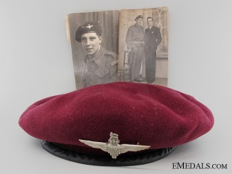 WWII 1944 British Parachute Regiment Beret with Photographs